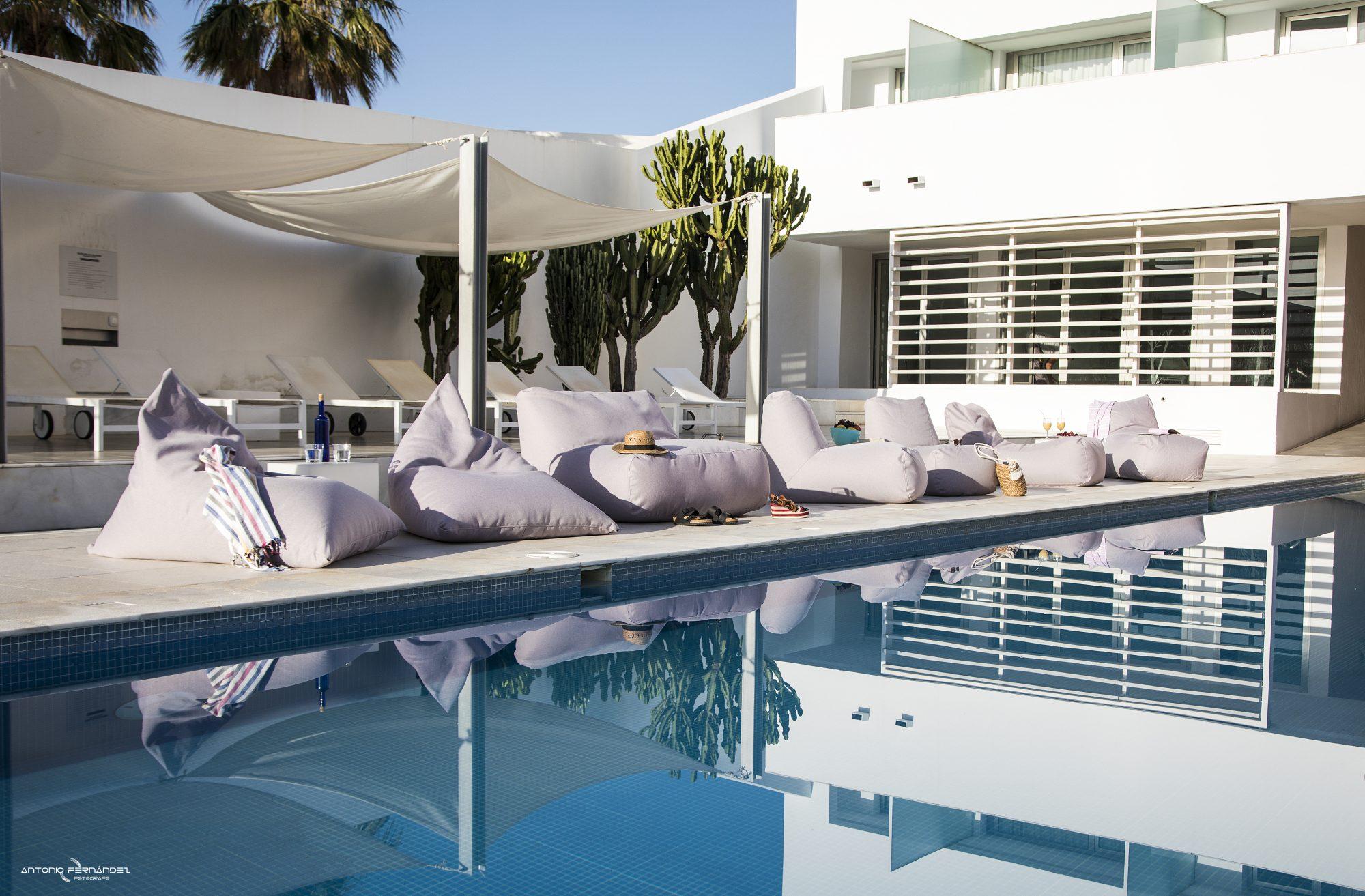 Riviera bean bags – Razz, Sofa Tube, Tube, Lounge – Pusku pusku 1, Cala Grande, Spain